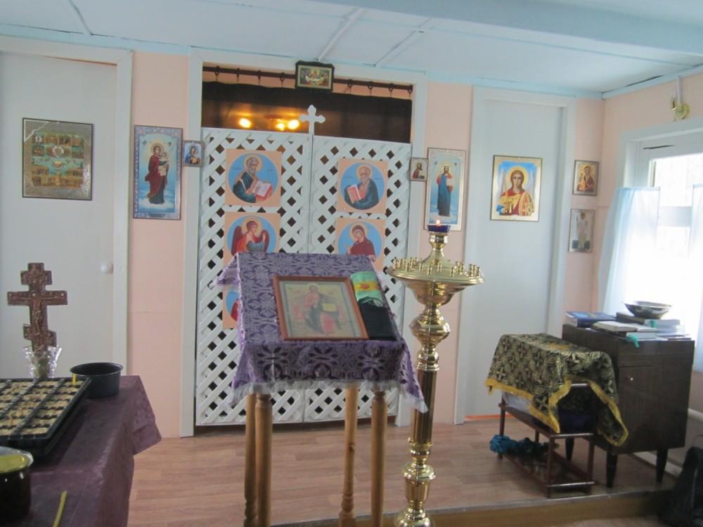 В храме поселка Березовая Роща впервые совершилось богослужение