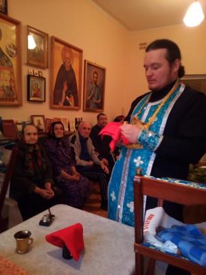 Священник Александр Черных приобщил Святых Христовых Таин постояльцев Мокшанского психоневрологического интерната