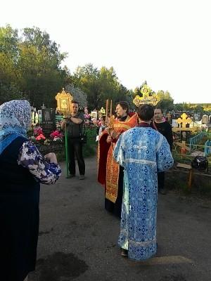 На Радоницу в Мокшане состоялся крестный ход