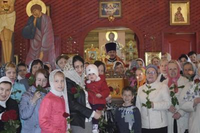 В день памяти святых жен-мироносиц в храме-часовне Георгия Победоносца в Заречном состоялось праздничное богослужение