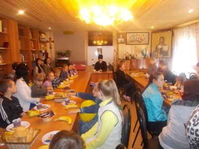 Благочинный Бессоновского округа встретился с многодетными семьями семьями Бессоновского района