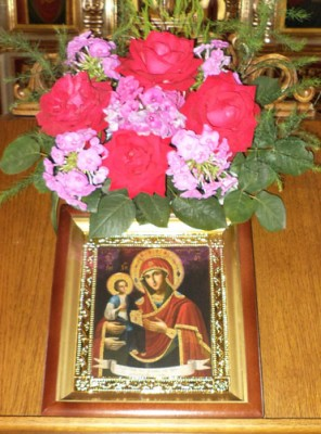 В Никольский храм Пензы доставлена икона Божией Матери «Троеручица»