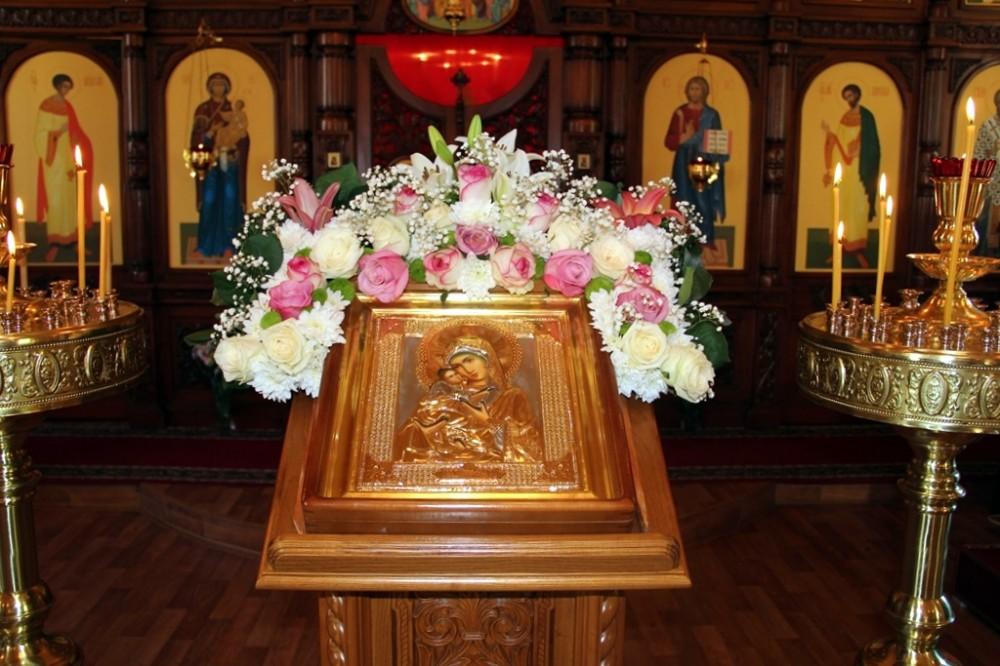 В храме Владимирской иконы Божией Матери микрорайона Маньчжурия отметили престольный праздник