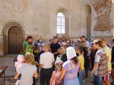В Троицком храме с. Константиновка состоялся молебен перед началом учебного года