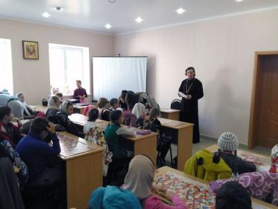 В воскресной школе при Никольском храме в Терновке состоялись первые занятия для детей и взрослых