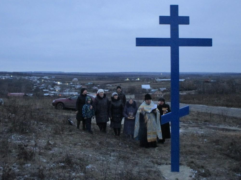 В селе Васильевка Пензенского района установлен поклонный крест