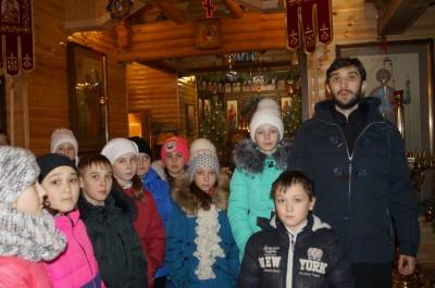 Учащиеся Бессоновской средней школы посетили с экскурсией храм во имя вмч. Георгия Победоносца