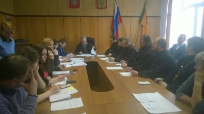 Клирики Бессоновского благочиния приняли участие в заседании по противодействию экстремизма в районной администрации