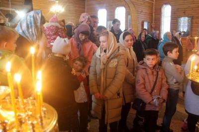 Воспитанники воскресной школы при храме Николая Чудотворца в Ахунах причастились Святых Христовых Тайн