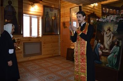 Священник Александр Угольков совершил молебен для призывников пред мощами великомученика Георгия Победоносца