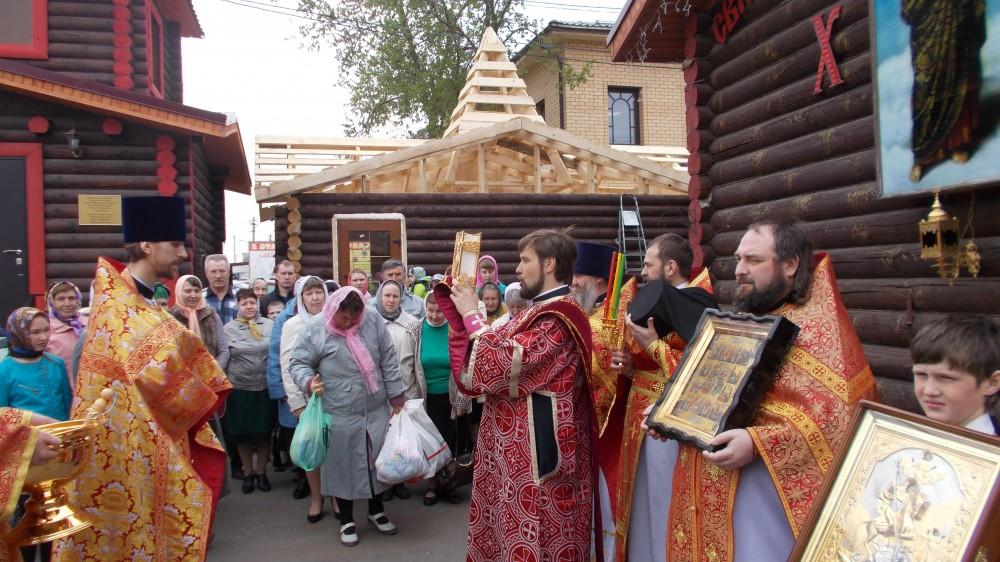 Престольный праздник в храме в честь святого великомученика Георгия Победоносца в Бессоновке