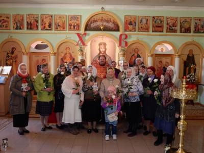 В Неделю 3-ю по Пасхе в Сергиевском храме в селе Саловка состоялась праздничная Литургия и крестный ход