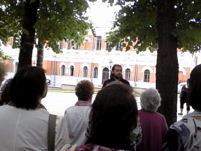 Священнослужитель провел пешую экскурсию по историческому центру Пензы