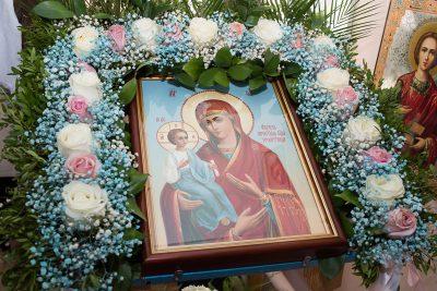 В престольный праздник митрополит Пензенский и Нижнеломовский Серафим возглавил Литургию в храме п. Березовая Роща