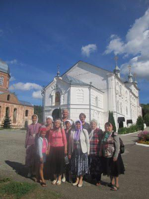 Пензенские паломники посетили монастыри Нижнеломовского и Вадинского районов