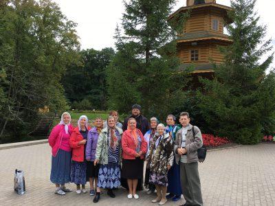Члены православной общины глухих и слабослышащих людей при храме св. блж. Ксении Петербургской совершили паломническую поездку в Дивеево