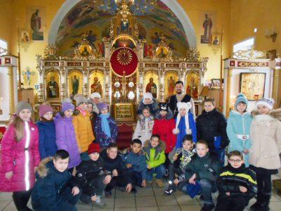 Учащиеся средней школы №60 посетили с экскурсией Никольский храм в микрорайоне Терновка