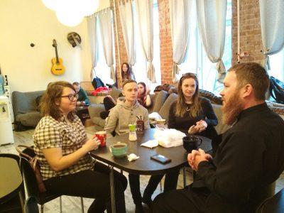 Священнослужитель встретился со студентами ПГУ и ПГУАС