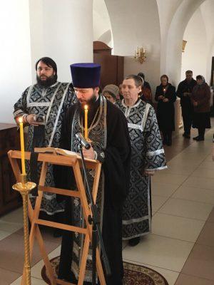 Повечерие с чтением Великого покаянного канона прп. Андрея Критского в Димитриевском храме г. Каменки