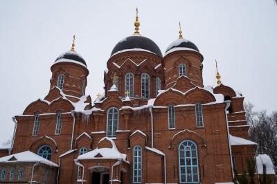 В праздник Торжества Православия митрополит Серафим совершил Литургию в Успенском кафедральном соборе