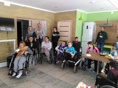 Священнослужители посетили активный пансион для молодежи с ограниченными возможностями «Дом Вероники»