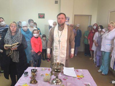 Священнослужитель совершил освящение здания Пензенской городской инфекционной больницы