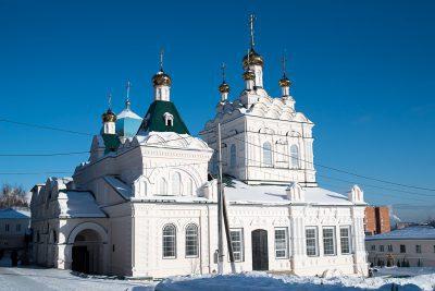 В Неделю 4-ю Великого поста митрополит Серафим совершил Божественную литургию в Троицком женском монастыре
