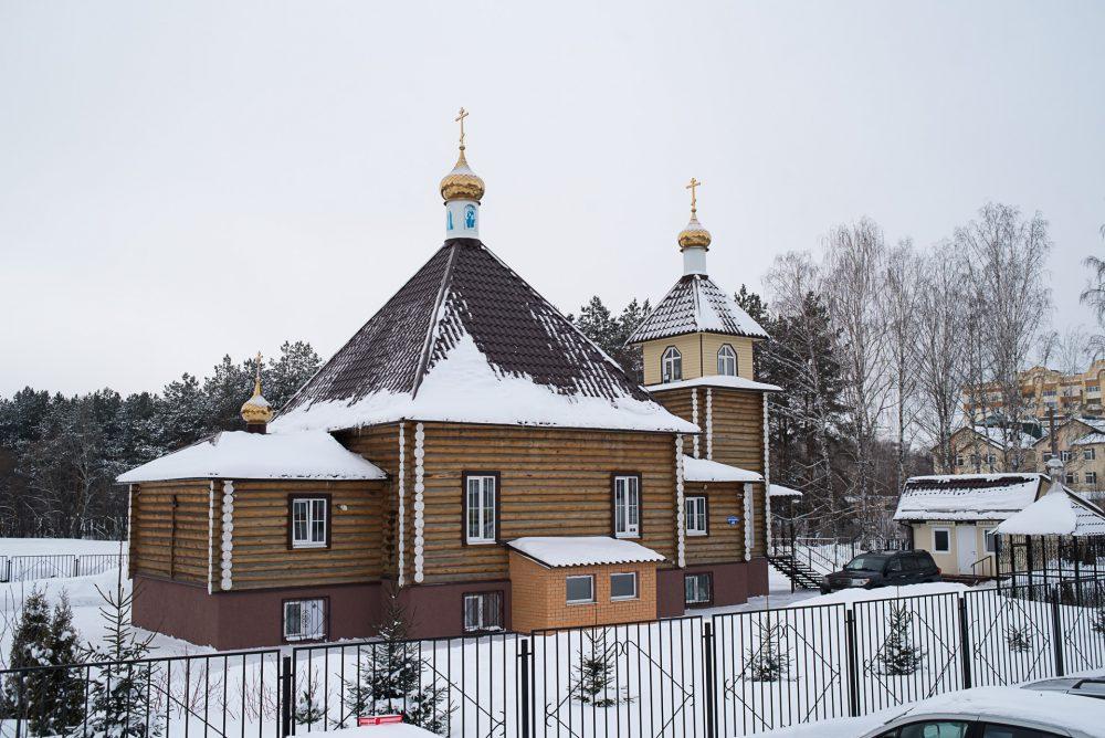 В день памяти святого мученика Кодрата митрополит Серафим совершил Литургию Преждеосвященных Даров в Димитриевском храме г. Пензы