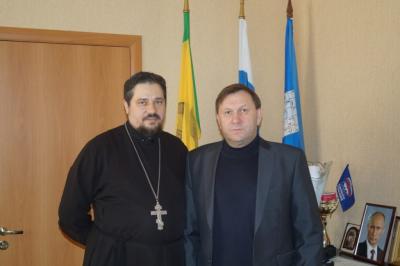 Настоятель Покровского храма города Городище провел рабочую встречу с главой администрации Городищенского района