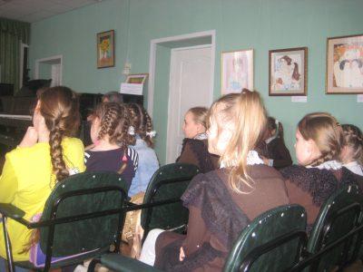Священнослужитель посетил с пастырским визитом городищенскую детскую школу искусств