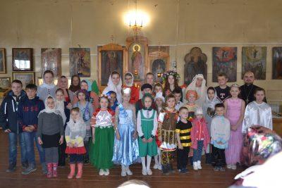Прихожане Никольского храма в Шемышейке поздравили иерея Александра Паршина с назначением на должность настоятеля