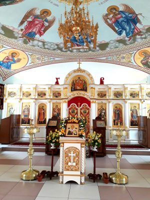 В канун престольного праздника благочинный Каменского района совершил всенощное бдение в Димитриевском храме города Каменки