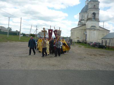 В Мокшанском благочинии прошел традиционный крестный ход до святого источника в честь святой великомученицы Параскевы Пятницы