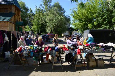 На площади перед храмом Серафима Саровского в Пензе проведена благотворительная ярмарка