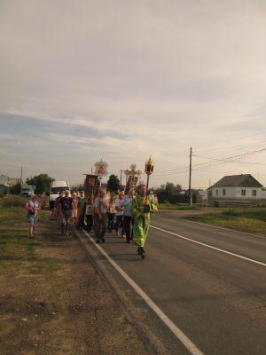 Пензенские паломники совершили крестный ход из села Ленино до мощей священноисповедника Иоанна Оленевского в Соловцовке