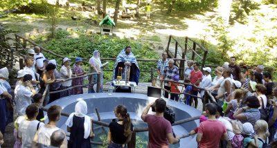 На Солдатском озере в Пензе освятили родник в честь Казанской иконы Божией Матери
