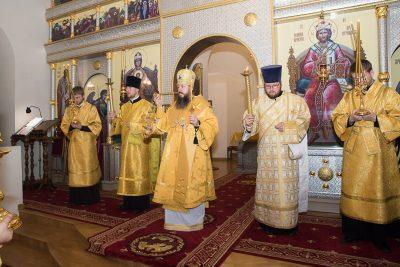 В канун дня памяти святителя Афанасия, еп. Ковровского, митрополит Серафим совершил всенощное бдение в Спасо-Преображенском мужском монастыре