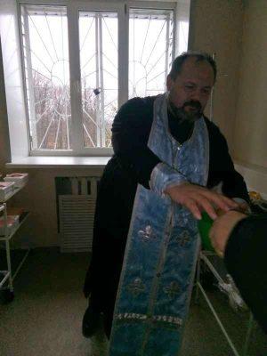 Священник посетил с пастырским визитом наркологический реабилитационный диспансер в селе Русский Ишим