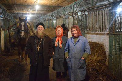 Состоялся пастырский визит священника на конный завод села Голицыно