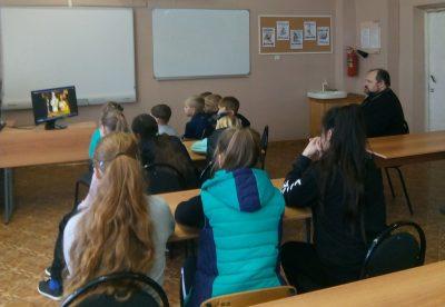 Настоятель Никольского храма села Дигилевка встретился с учащимися местной школы