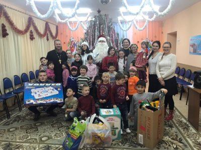 Волонтеры Союза православной молодежи посетили социально-реабилитационный центр