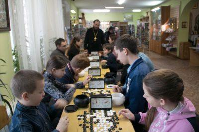 В храме Петра и Февронии прошел открытый зимний турнир по игре го