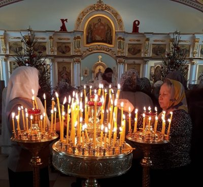 В Каменке прошла акция против абортов «Поставь свечу о спасении жизни нерожденных младенцев»