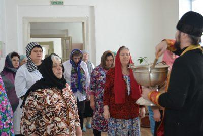 Верхнеломовский стационар Нижнеломовской районной больницы посетил священник