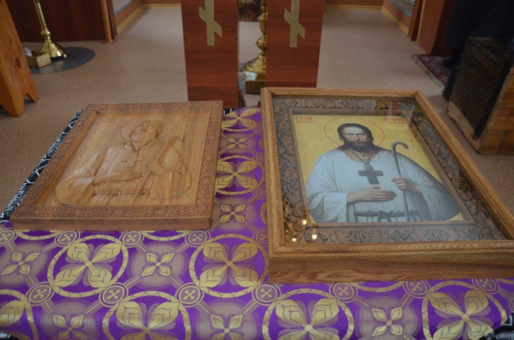 Во Введенской церкви села Чемодановка освятили иконы блаженного Иоанна Кочетовского