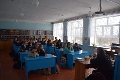 Священник рассказал школьникам о святителе Иннокентие Пензенском