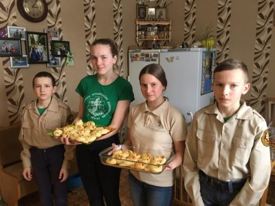 Добровольцы отряда Покров поздравили прихожан Покровской церкви г. Городище с праздником 40 Севастийских мучеников
