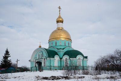 Митрополит Серафим совершил Литургию Преждеосвященных Даров в храме во имя преподобного Сергия в селе Соловцовка