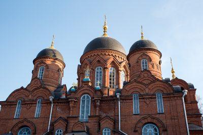 Успенский кафедральный собор приглашает посетить молебны на начало учебного года