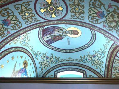 В Димитриевском храме Каменки закончилась роспись Никольского алтаря